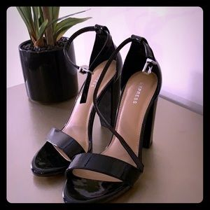 6.5 Express Black Sandal Heel